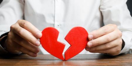 Подружні зради та розлучення