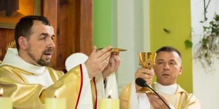 """""""Юда є прикладом того, що можна бути близько Бога і впускати в своє серце сатану"""", - отець Валентин Матушевський"""