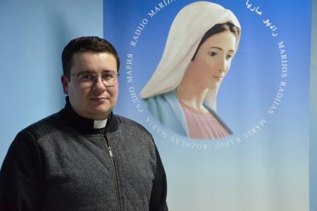"""Отець Любомир Яворський: """"На війні атеїстів не буває"""""""