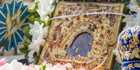 """""""У 1809 році ця ікона проявила перше чудо, вона обновилася"""", - отець Михайло Карнаух"""