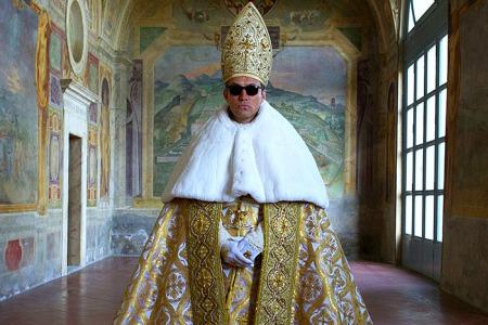 «Цей фільм запросив мене до більшої молитви і думок про Церкву…» – рецензія на серіал «Молодий Папа» від о. Олексія Самсонова