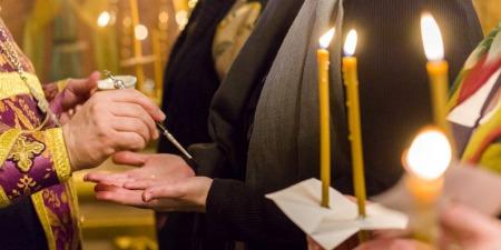 """""""Для того, щоб зцілитися, потрібно перестати зациклюватися на собі"""", - отець Петро Лопатинський"""