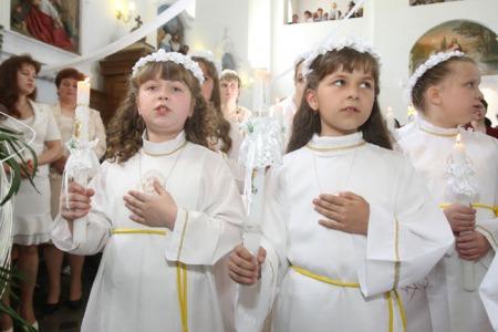 """Отець Віктор ЛУТКОВСЬКИЙ: """"Звісно, легше дати дитині планшет, ніж розповідати про Євхаристію"""""""