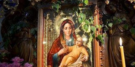 """""""Мама палко молилася перед цією іконою за зцілення своєї дочки і Богородиця вислухала: донька почала ходити"""", - отець Михайло Карнаух"""