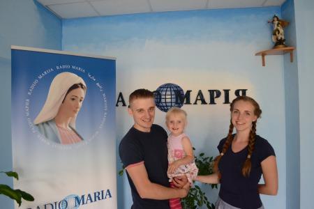 """Стас та Іванна БЖЕЗІНСЬКІ: """"На актрисі, яка народжує дитину - можна ставити хрест! - так нам говорили в театральному університеті"""""""