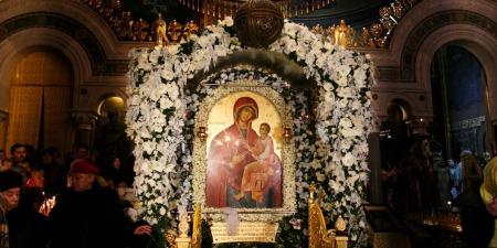 """""""Одного разу Богородиця з цієї ікони промовила до монаха, просячи аби він її не закаджував свічкою, але він не прислухався"""",- отець Михайло Карнаух"""