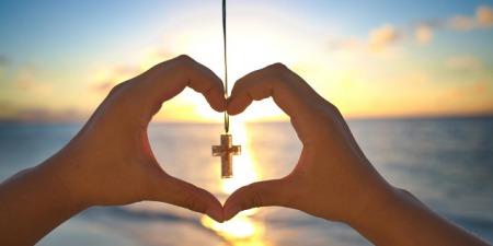 """""""Чим християнство відрізняється від інших релігій"""", - коментар Євангелія дня"""