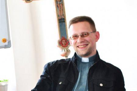"""Отець Юрій Блажиєвський: """"Завдання Церкви  - не махати кадилом. Вона не супермаркет з наданням духовних послуг!"""""""