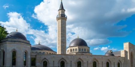 Які мусульманські свята стануть державними? Що є причиною збільшення мусульман в Києві та хто є ініціатором побудови нової мечеті на 5000 осіб?