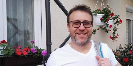 Чому німіють пальці рук, як запобігти викривленню хребта, лікування закрепів та грибка - консультує лікар Іван Яворський