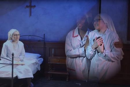 Сестра Крістіна співає у мюзиклі
