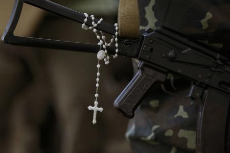 """""""Той, хто захищає своє життя, не є винен у вбивстві свого противника"""", - отець Олександр Халаїм"""