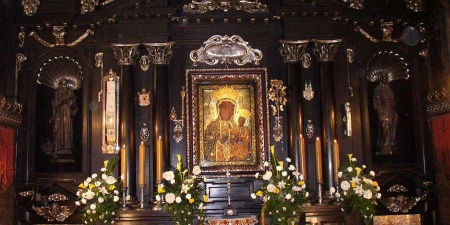 """""""В головному храмі Ченстохова є сотні залишених милиць від зцілених паломників!"""" - отець Міхал Бранкевич"""