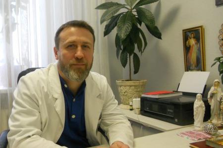 Вздуття, прищі і біль в суглобах - лікар Іван Яворський дає поради лікування