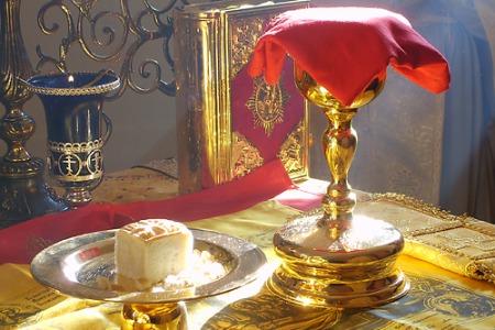 """Отець Петро Лопатинський: """"Христос - це Той, хто приносить, і  приноситься"""""""