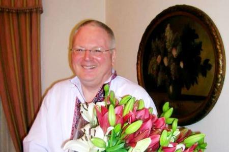 Нунцій, архієпископ Томас Галліксон їде з України