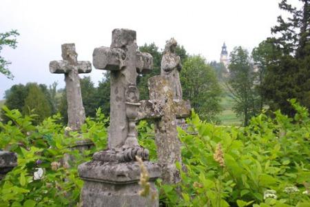 Їсти, чи не їсти на кладовищі?