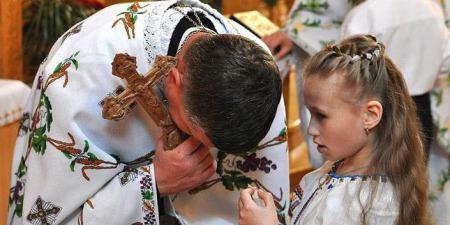"""""""Що таке таємниця Сповіді? Скільки разів на рік священник сповідається? Як часто має сповідатися мирянин?"""", - о. Петро Лопатинський"""