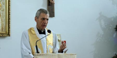 """""""Триває велика боротьба сатани, щоб забрати Таїнства з життя людини"""", - отець Станіслав Козьол"""