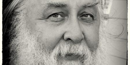 """""""Церква виконує святу місію: збирає чад Божих!"""" - отець Олександр Чумаков"""