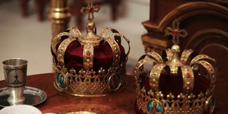 Яке значення мають корони (вінці) під час Таїнства Шлюбу?