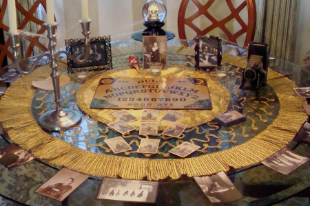 Спіритизм, виливання на віск, викачування яйцями і т.д. - це ритуали, які містять формулу відкриття воріт пекла