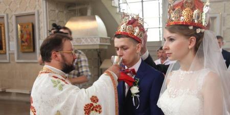 """""""У шлюбі маєш навчитися не використовувати іншого заради задоволення, а зробити так, щоб інший став моїм життям!"""" - диякон Петро Лопатинський"""