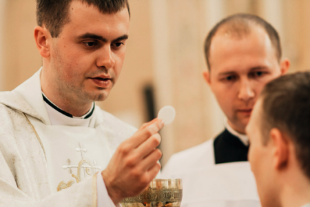«Приготування до Євхаристії починається ще вдома» – отець Євген Фізер