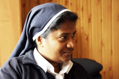 """Сестра Ліджі ПАЯППІЛЛІ: """"Я фізично відчуваю біль людей, котрі приходять до мене на молитву""""."""