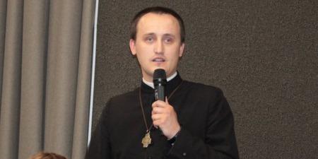 """Наша молодь потребує дружби та гідного прикладу від старшого покоління"""", - отець Назар Білик."""