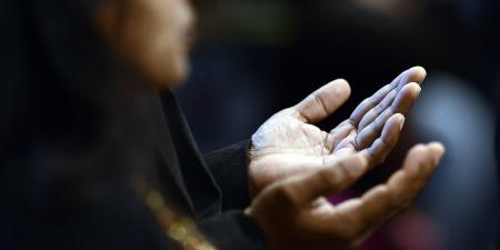 """""""Чоловік з сухою рукою та люди з кам'яними серцями"""", - коментар Євангелія дня"""