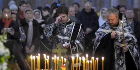 Чому православні та католики моляться за померлих, а протестанти - ні?