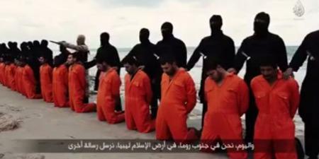 """""""Християн переслідують за те, що вони відмовляються вклонятися богам цього світу"""", - коментар Євангелія дня"""