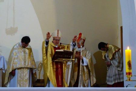 """Апостольський нунцій в Донецьку: """"Не дивуйтеся коли одного дня у двері вашого храму постукає  папа Франциск"""""""