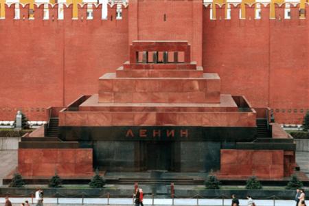Мумію Леніна Путін порівняв з мощами святих!