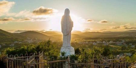 """Богородиця з Меджугор'я:""""У цей благодатний час хочу бачити ваші обличчя, перемінені в молитві"""""""