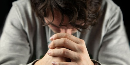 """""""Християнин живе в цьому світі, але не належить йому"""", - коментар Євангелія дня"""