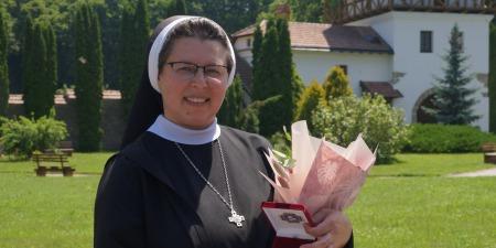 """""""Сила моя у Бозі, регулярній молитві та моєму розпорядку дня!"""" - сестра Себастьяна Карватська"""