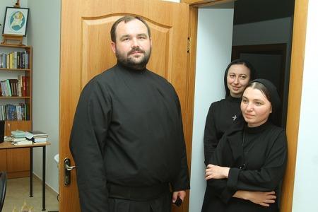 Як монах допомагає жінкам, котрі відсиділи у в'язниці