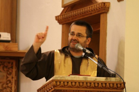 """""""Якщо подруги зареєстровані лише в РАГСі і не вінчані в церкві - це блуд!"""" - отець Петро КУРКЕВИЧ"""