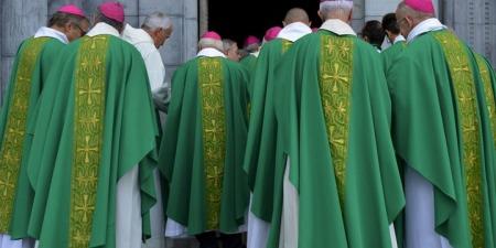 До чого мають провадити єпископи?