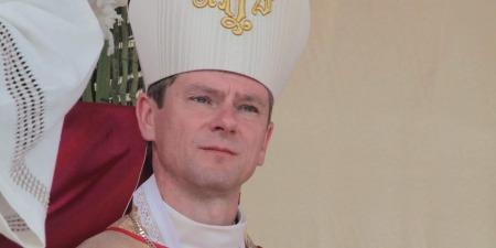 """""""Це тривожний дзвіночок!"""" - єпископ Віталій Кривицький про протести в Польщі, Папу, Геловін та медичний канабіс"""