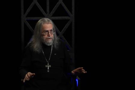 """""""Хто не вміє спілкуватися з людьми - не вміє говорити і з Богом"""", - отець Яків Кротов"""