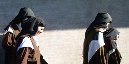 Прекрасна історія покликання дівчини зі Словаччини в закритий монастир кармеліток босих в Україні