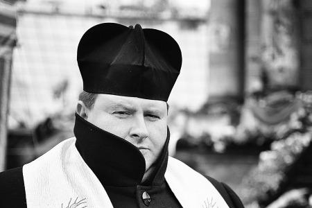 """Екзорцист, отець Вячеслав КЛЕМБОВСЬКИЙ: """"Батьківське прокляття - НАЙСТРАШНІШЕ!"""""""