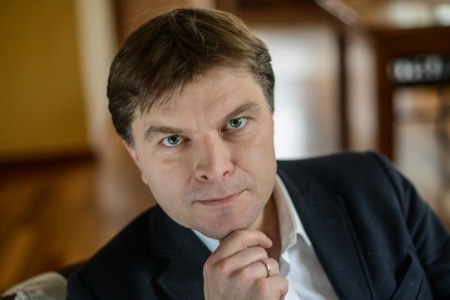 Україна може стати прикладом для інших, що не всі цінності померли. Є люди, які готові за справжні цінності віддавати життя