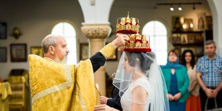 """""""Які покарання Церква передбачає за статеве життя до шлюбу та які передумови вступу до шлюбу? Розповідає отець Петро Лопатинський"""