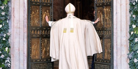 """""""Католицька Церква – вселенська Церква, відкрита для усіх народів, для цілого всесвіту"""", - Віктор Заславський"""
