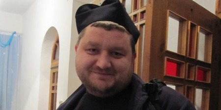 """""""Ми не можемо змінювати встановлені Богом знаки в Літургії"""", - отець Віталій Слободян"""