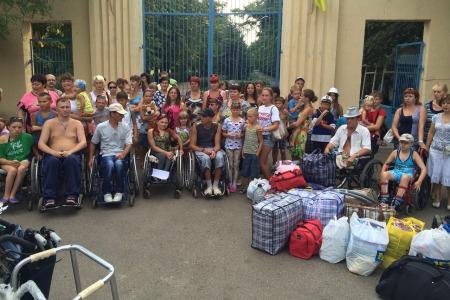 Одеська єпархія УПЦ передала 200 сім`ям переселенців із зони АТО подарунки до Різдва